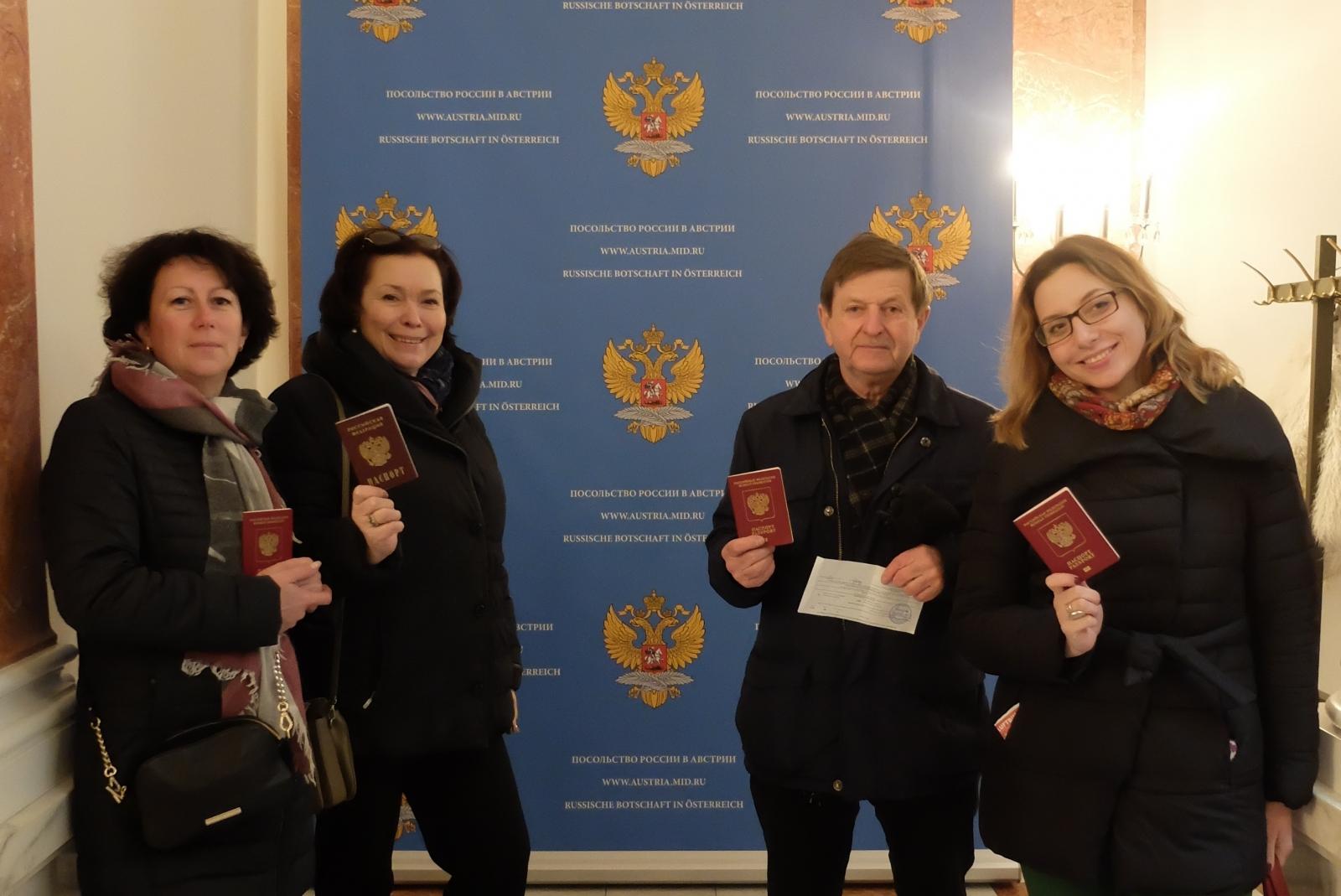 Гуманитарии приняли участие в выборах президента РФ