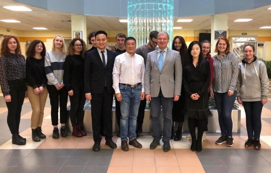 Высшая школа международных отношений усиливает научное сотрудничество с Макао (КНР)