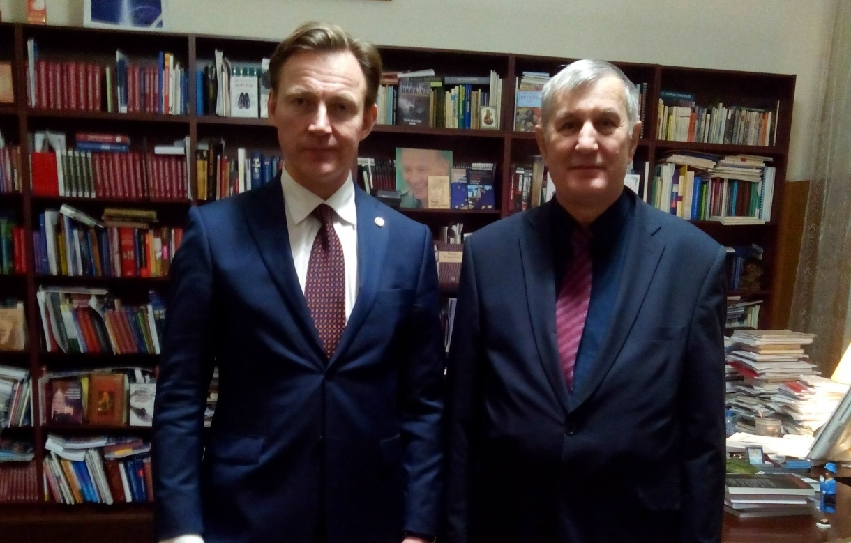 Подписано соглашение о сотрудничестве между Институтом Европы РАН и Гуманитарным институтом